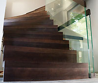 Beech wood stairs, stainless steel balusters ENERGY solutions